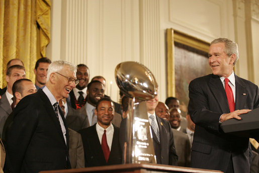 Dan Rooney, a champion for humility, visits the White House after Super Bowl XL
